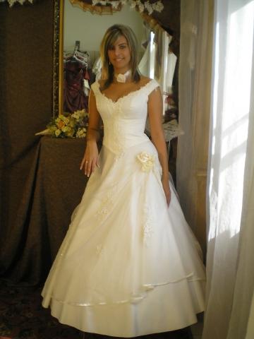 e4d33a6836 Zsófia Esküvői Ruhaszalon Miskolc | ESKÜVŐ határok nélkül – www ...